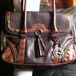 Koret Purse - Very Nice Bag -Offers Accepted