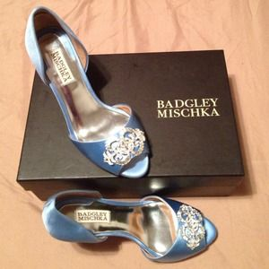 Badgley Mischka blue heels