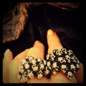 Alchemy Ring Skulls for Days Q fits 8.5