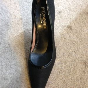  Awesome YSL Black Pumps!!!
