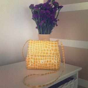 Authentic FURLA leather purse 💛vintage