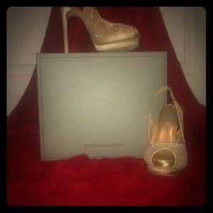 BCBG Max Azria Gorgeous Lace Heels. Size 5.5M
