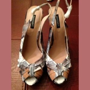 ShoeMint Floral Peeptoe Pump size 8.5 (BRAND NEW)