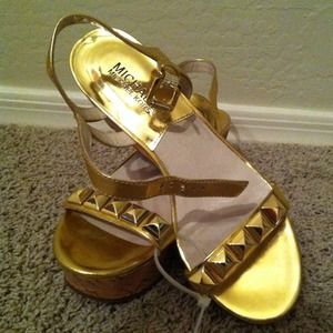 Michael kors gold wedge