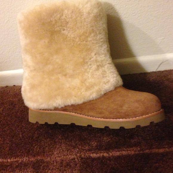 393696a6957 UGG maylin furry fold over boots!!! 💢Black 💢