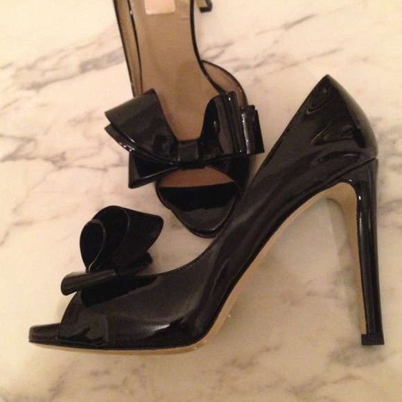Valentino Shoes - New, Valentino black size 6.5💗💗💗