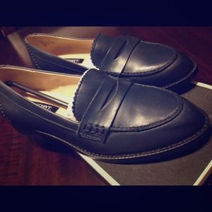 Shoemint Mona loafers size 5 - never worn.