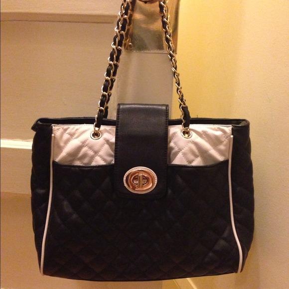 75% off ALDO Handbags - Black and white quilted tote with chain ... : quilted handbag with chain strap - Adamdwight.com
