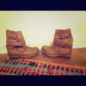 Jeffrey Campbell Tan Brit Boot!