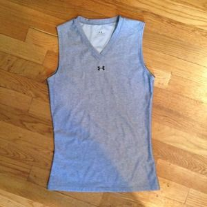 Under Armour Tops - Under Armour basic shirtsleeve top