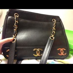 chanel caviar lambskin shoulderbag