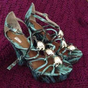 Christian Siriano Shoes - Green Wedges
