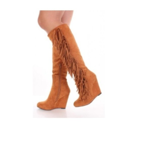 70% off Shoes - 🙌Hold🙌Camel suede fringe wedge boots from Chloe ...