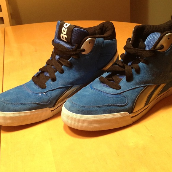 0b018004 *** SOLD *****Men's reebok high tops. Blue suede