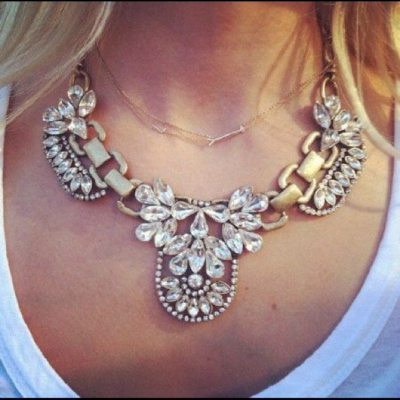 Jewelry - Crystal rhinestone bib statement necklace