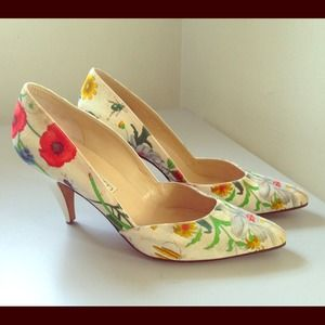  HOST PICK GIRL'S NIGHT OUT!  Gucci Pumps