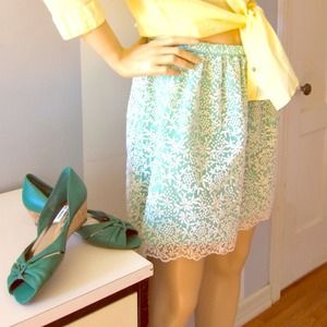 Adorable Zara snowflower mint eyelit layer skirt