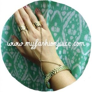 Gold hammered bangle with attached rings