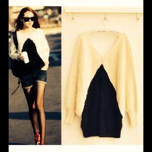 Sweaters - $✂️Beautiful soft cream & black, knitted sweater.