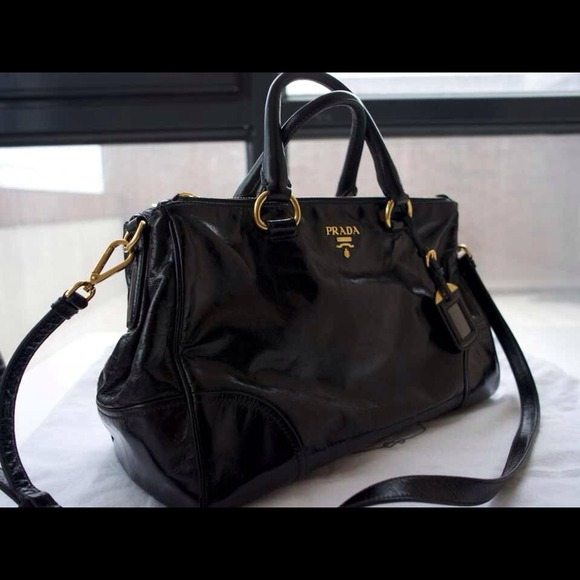 tell fake prada - black prada handbag