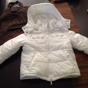 Gucci kids coat white with red/green worn in video