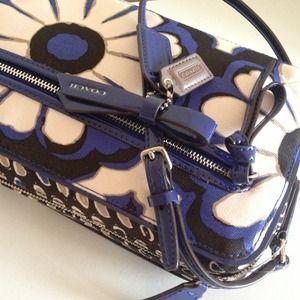 Coach Bags - 🎀N/A🎀Coach floral print cross body bag