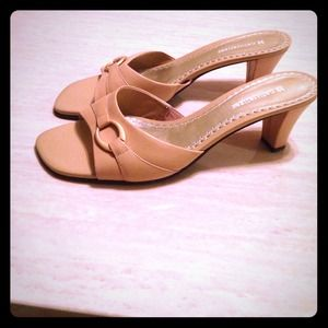 Shoes - Nude D'orsays