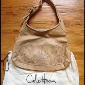 Cole Haan Handbags - 🎉HP🎉Cole Haan camel colored leather Purse