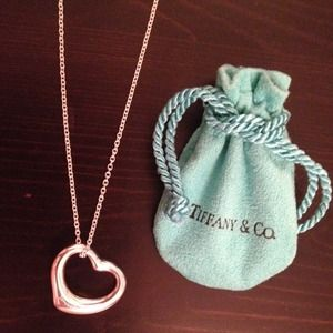 Tiffany & Co. Elsa Peretti silver heart necklace