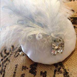Accessories - White Satin Ostrich Fascinator