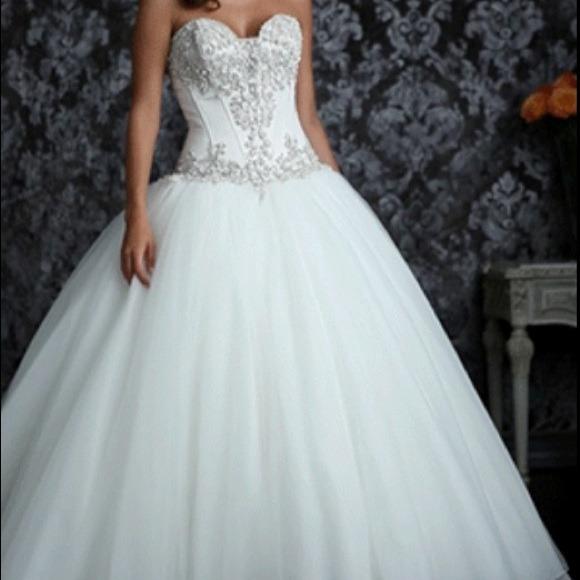 Dresses   Never Worn Wedding Dress Allure 9017   Poshmark