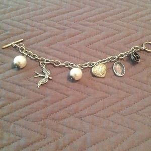 unknown Jewelry - silver and pearl charm bracelet.  6.5 ""