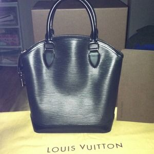NOT AVAILABLE.... LV Lockit Epi leather