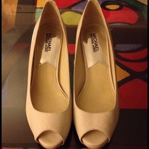 Michael Kors cream pumps
