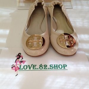 100% authentic tory burch flat Reva