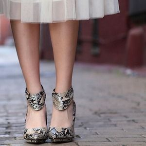 Shoes - Snakeskin pumps