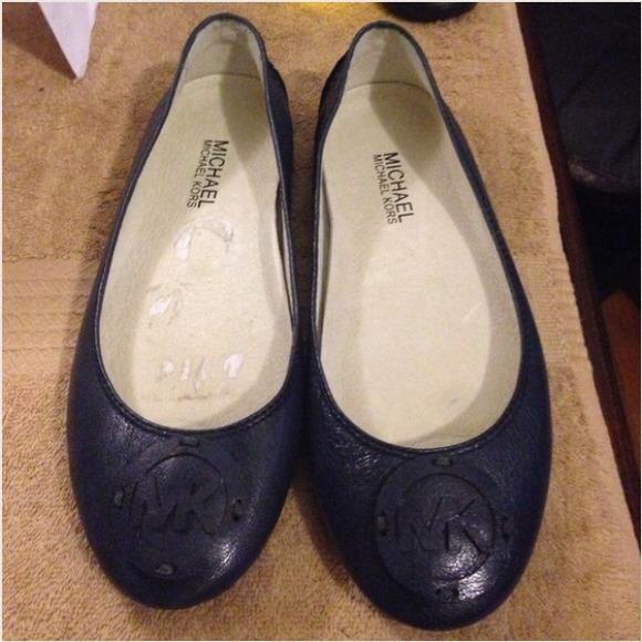 312a33fbdabc Authentic Michael Kors Navy Blue Ballerina Flats. M 52a8c34bfab8360d26031d4e