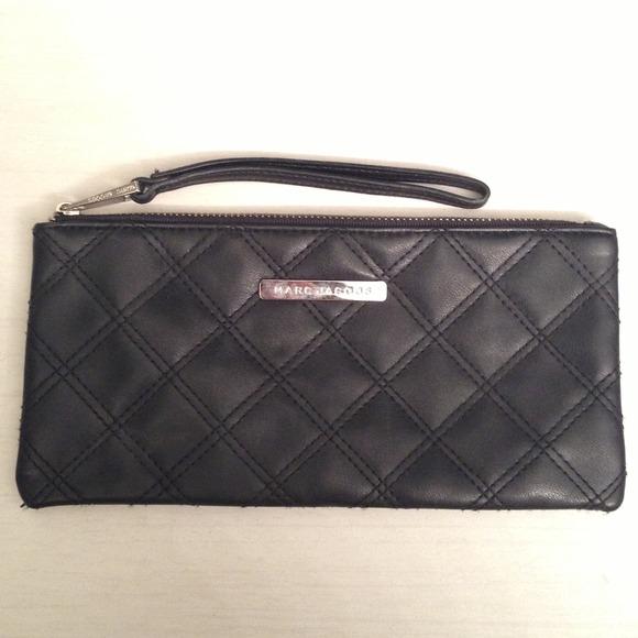 Marc Jacobs - Marc Jacobs Black Zip Quilted Pouch Wallet from ... : marc jacobs quilted wallet - Adamdwight.com