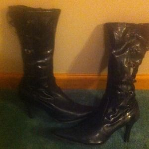 Boots - Black boot with lace up detail