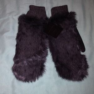 Accessories - Grey leather and real rabbit fur mitten, brand new