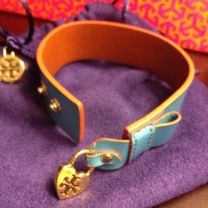 💜Authentic Tory Burch Cuff💜