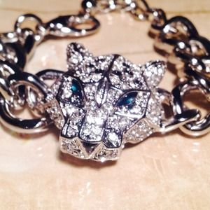 Jewelry - Gorgeous quality made silver link tiger bracelet