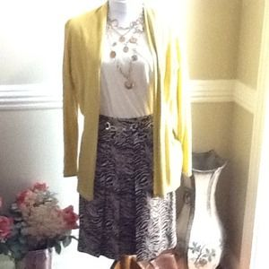 Brown/cream animal patterned skirt, size 8.  NWOT.