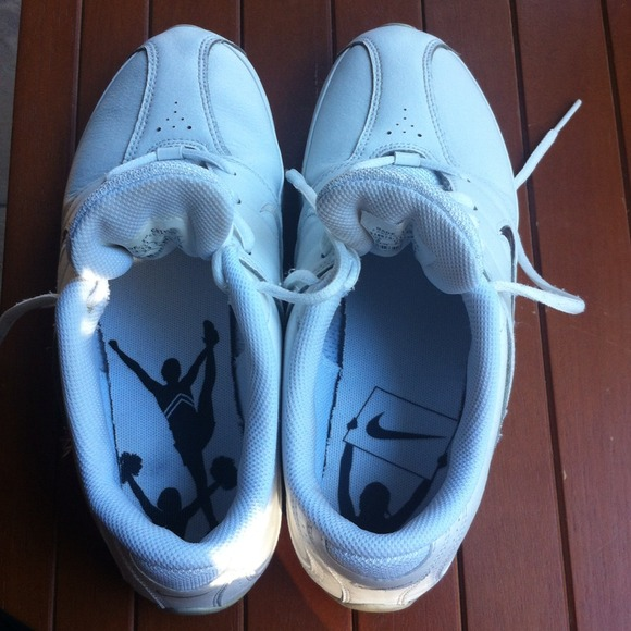d4e02c0fce5 White Nike Cheer Shoes
