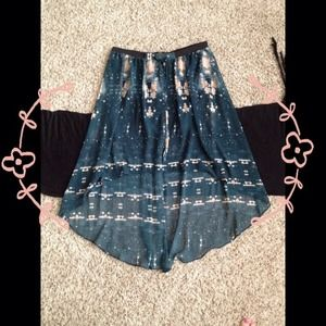 Gorgeous Hi-Lo skirt!