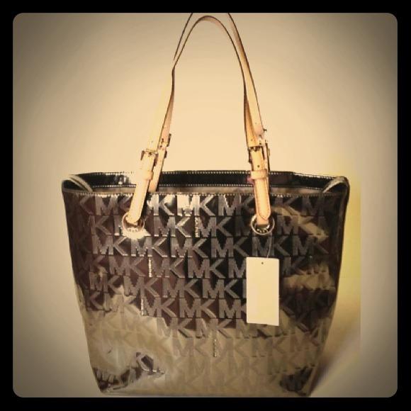 3d152f933ceb Michael Kors jet set nickel grab bag purse. M_5255ed49bdf51c0d380205fc.  Other Bags ...