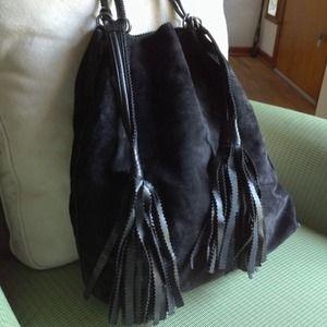 ... Leather size 40  Bottega Veneta Bags - BOTTEGA VENETA Suede Drawstring  Tassel Black Bag wholesale dealer ee13c 06338 ... 829fa680b780b