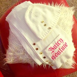 Juicy Couture Knit Scarf