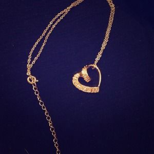 GOLD HEART NECKLACE WITH RHINESTONES
