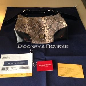 Dooney & Bourke Handbags - Dooney & Bourke Medium Nikki Bag with Dust Bag